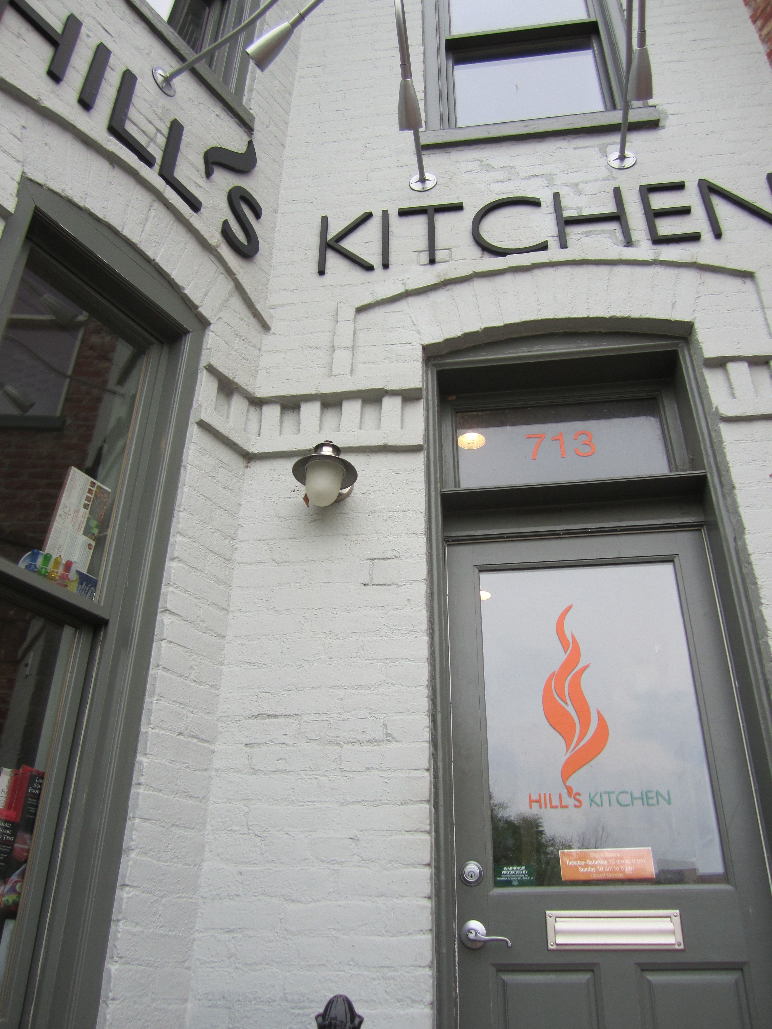 DC Dining | galley kitchen gal