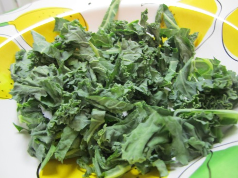 Et voila, you have shredded kale. Since raw kale is super-fibrous, it's much easier to chomp and chew this way.